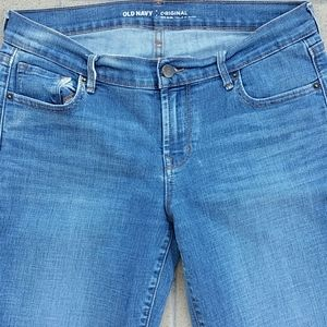Old Navy Original Mid-Rise Size 6 Skinny Jeans